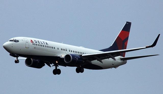 Pesawat patah balik ambil penumpang lewat ke pengebumian bapa