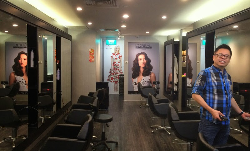 Interior of Headline Hairdressing