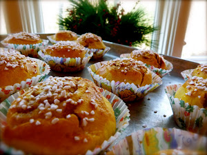 Click on the buns to learn about my cooking classes!