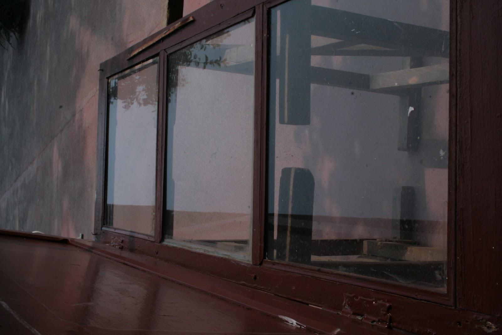 Dagli una seconda occasione una vecchia finestra diventa un mobile parte 1 - Finestra mobile cos e ...