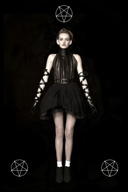 Fetish Fashion : Void Of Course Shooted By Moses Powers SS 2012