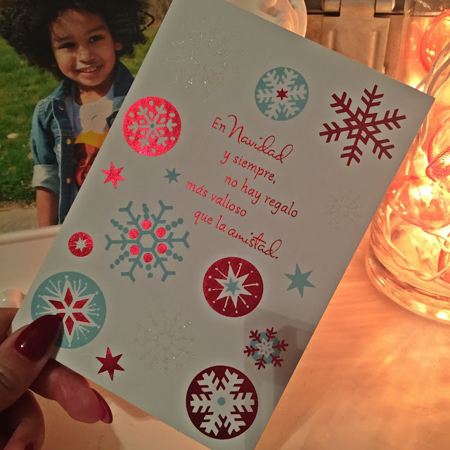 Celebrating the Holidays con Familia + A Holiday Giveaway