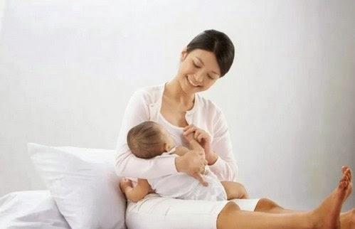 Massage Payudara untuk Mendapatkan ASI Eksklusif