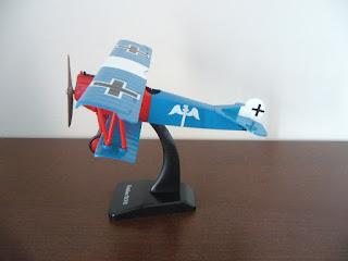 maqueta de avión biplano alemán de la I.G.M.