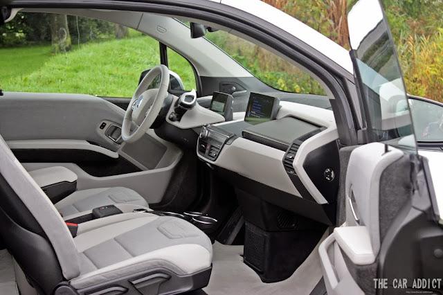 Grey Interior of an silver BMW i3