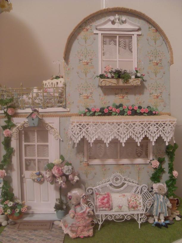 Lindas Miniature Musings Playing With The Shabby Chic