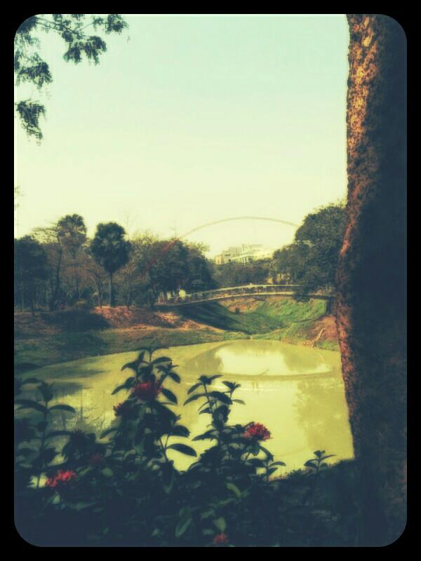 travel, Afternoon stroll at Gulshan Park, Dhaka, Bangladesh