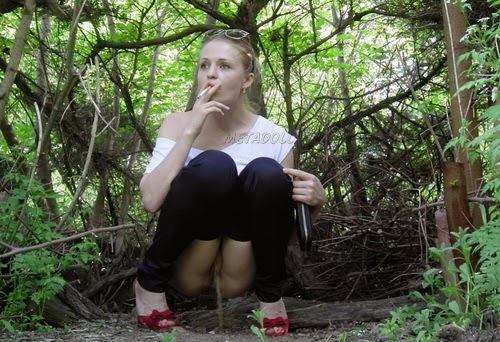 devushki-sikayut-video