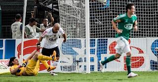 Goleiro fez seu primeiro jogo em 2013 e falhou contra o rival