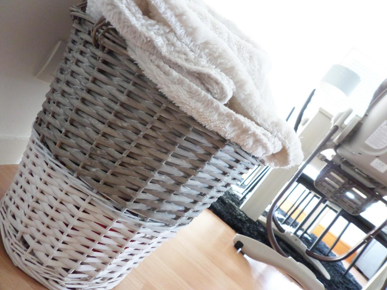 la d coration de mon salon charline rgn blog beaut mode et lifestyle. Black Bedroom Furniture Sets. Home Design Ideas