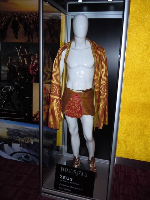 Zeus Luke Evans costume Immortals