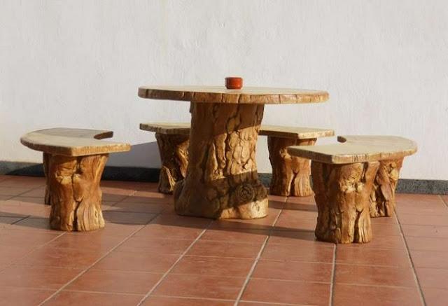 Arte en el desv n madera en los muebles del jard n - Mesas de troncos de madera ...
