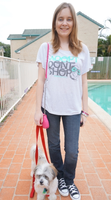 Away From Blue Daily Outfit Adopt Don't Shop grey tee jeans converse MbMj Karlie