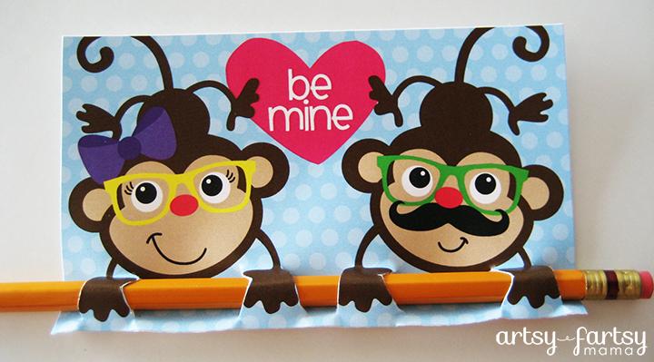 Free Printable Monkey Valentines at artsyfartsymama.com #valentine #freeprintable #printable