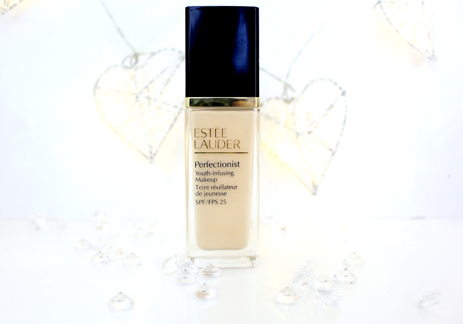 Estee Lauder Perfectionist Youth-Infusing Makeup SPF 25 Review
