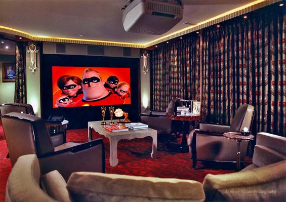 Einige Home Theater Seating Ist Aus Verschiedenen Materialien Und Farben,  Aber Die Beliebteste Verwendung Des Materials Ist Aus Echtem Leder Oder  Leder, ...