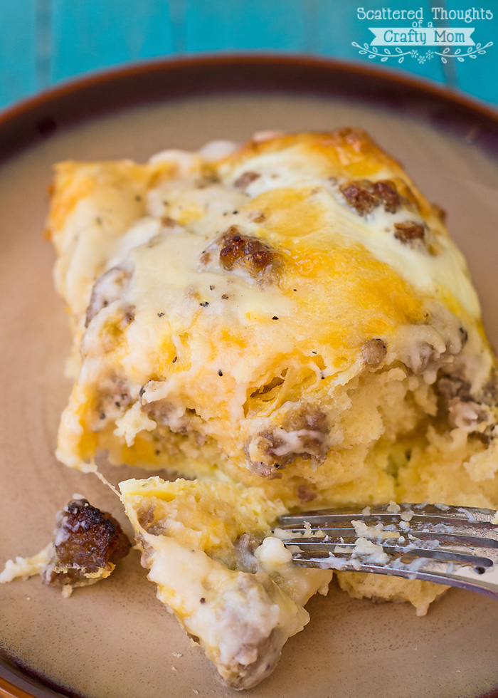 This sausage, egg and biscuit breakfast casserole is a great breakfast to make for a crowd! It really fills you up and is so easy to make because I use.
