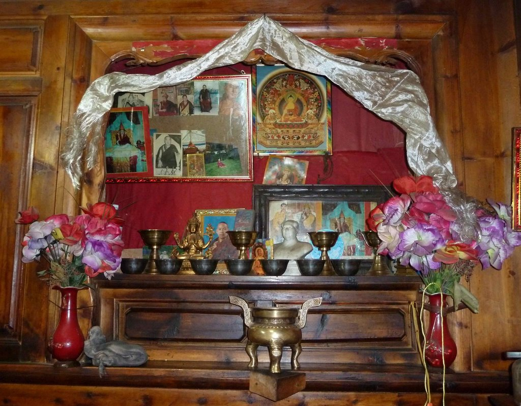 Man in the Maze: HOME ALTARS