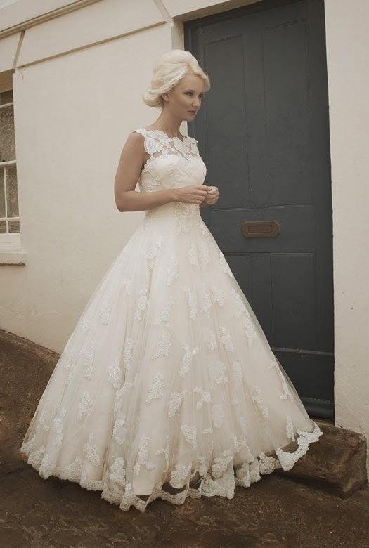 Nicola brudklänning