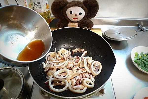 イカとトマトのサッと炒めの作り方(3)