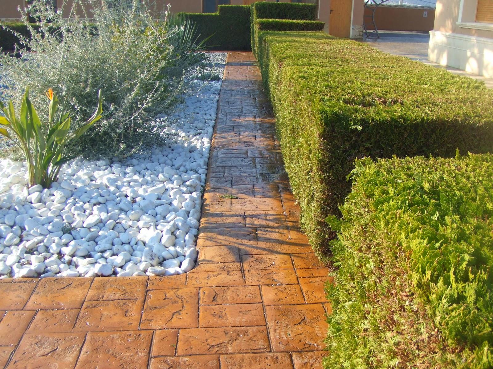 hormig n impreso en piscina y jardin pavimentos