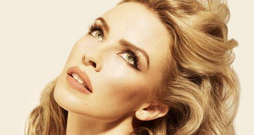 """Kylie Minogue y Fernando Garibay estrenaron el vídeo de """"Black And White"""""""