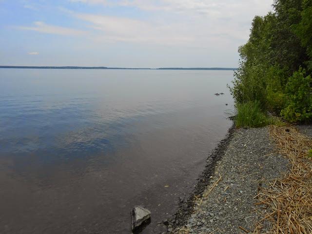 Водная гладь озера Большие Касли