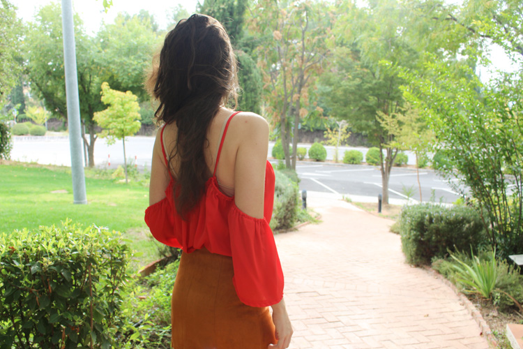 Suede skirt, red top