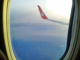 Sejenak Ku Terbang Diantara Awan