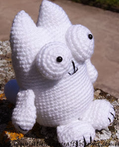 http://mylittlehandicrafts.blogspot.com.es/2013/11/patron-gato-amigurumi.html