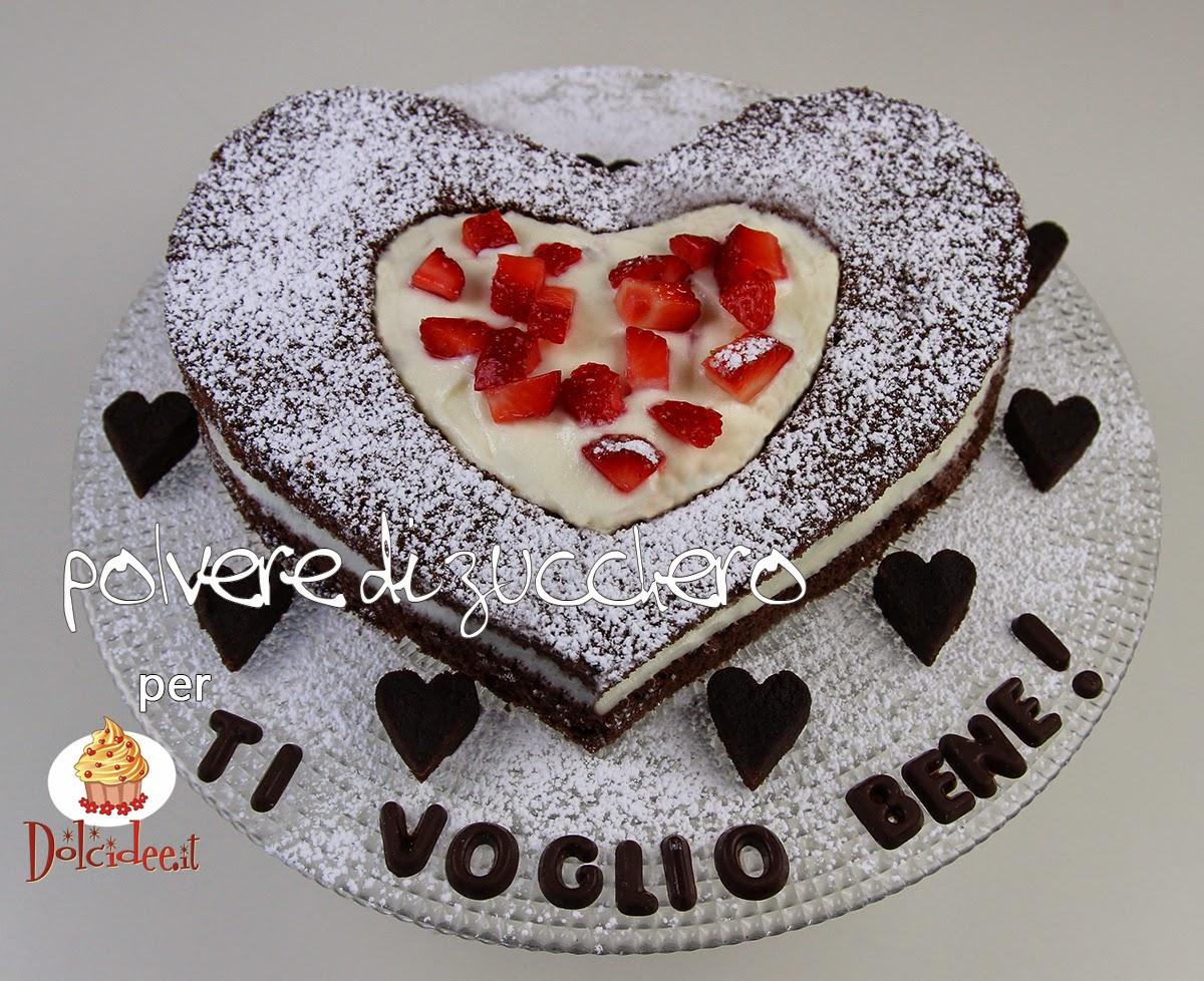 tutorial per dolcidee.it: torta cioccolato e fragole a forma di cuore per la festa della mamma