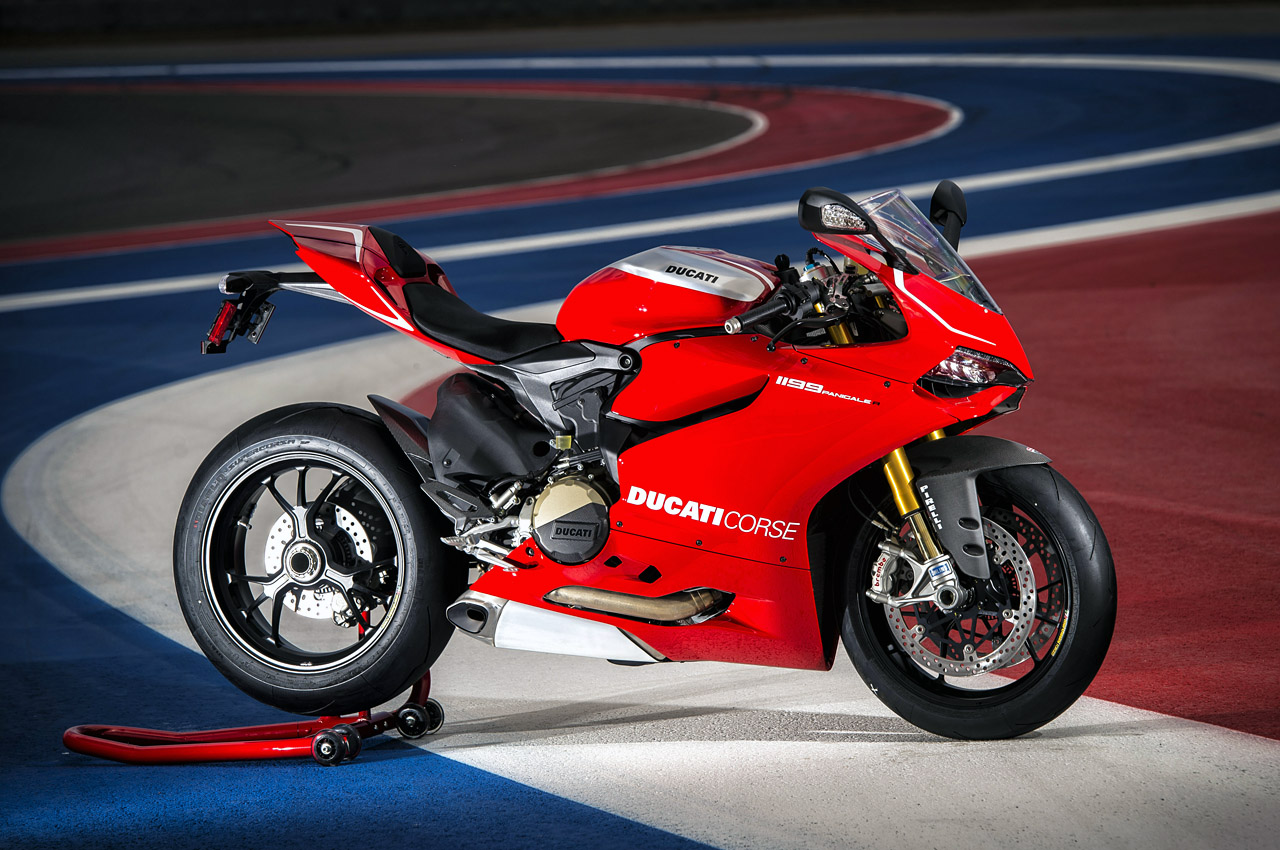 automotiveblogz 2013 ducati 1199 panigale r photos. Black Bedroom Furniture Sets. Home Design Ideas