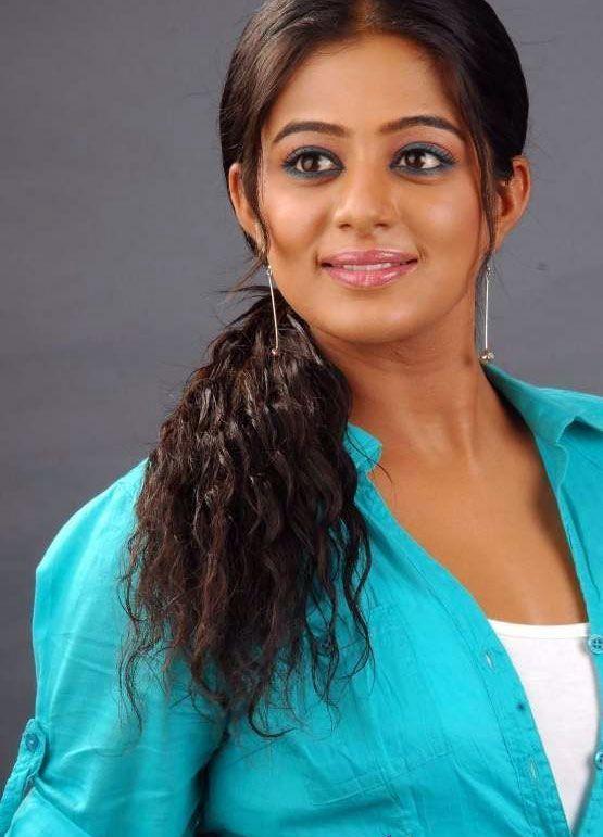 http://2.bp.blogspot.com/-p8xHai0QSWo/TfNcN4KRxJI/AAAAAAAAZ_8/ixmdRNrdm2k/s1600/tamil-actress-priyamani-cute-stills-1.jpg