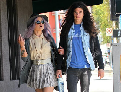 Kelly Osbourne engaged in secret