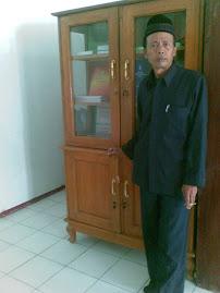 KEPSEK  (Drs.H.M.Zahruddin)