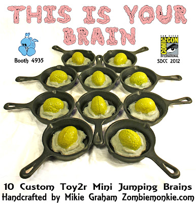"San Diego Comic-Con 2012 Exclusive ""This Is Your Brain"" Custom Mini Jumping Brain Vinyl Figures by Mikie Graham"