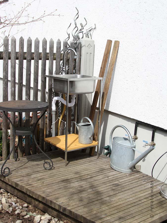 Outdoor Waschbecken gartenblog geniesser garten gemuesegarten im april