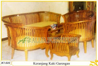 Set Meja dan Kursi Tamu Ukiran Kayu  Keranjang Kaki