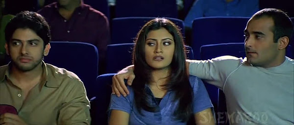 Screen Shot Of Hindi Movie Hungama (2003) Download And Watch Online Free at worldfree4u.com