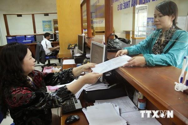 Làm thủ tục nộp thuế
