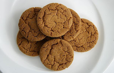 ginger biscuits as a natural remedy for nausea and vomiting?