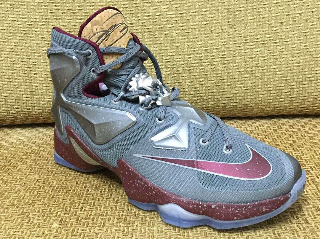 If you are wondering what colorway Lebron James rocked, here is a more  detailed look of the shoe.