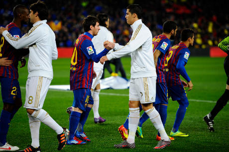 Xavi : Messi Jauh diatas Cristiano Ronaldo