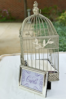 Sign for cards with a birdcage