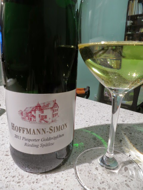 Wine Review of 2011 Hoffmann-Simon Piesporter Goldtröpfchen Riesling Spätlese from Mosel, Germany (91 pts)
