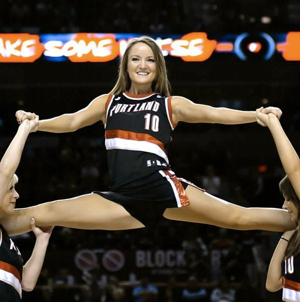 Pro Cheerleader Heaven: Flexible Portland Trailblazers Cheerleader