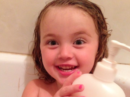WIN 2L Johnson's Baby Bath & Review