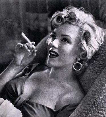 mujeres que fuman