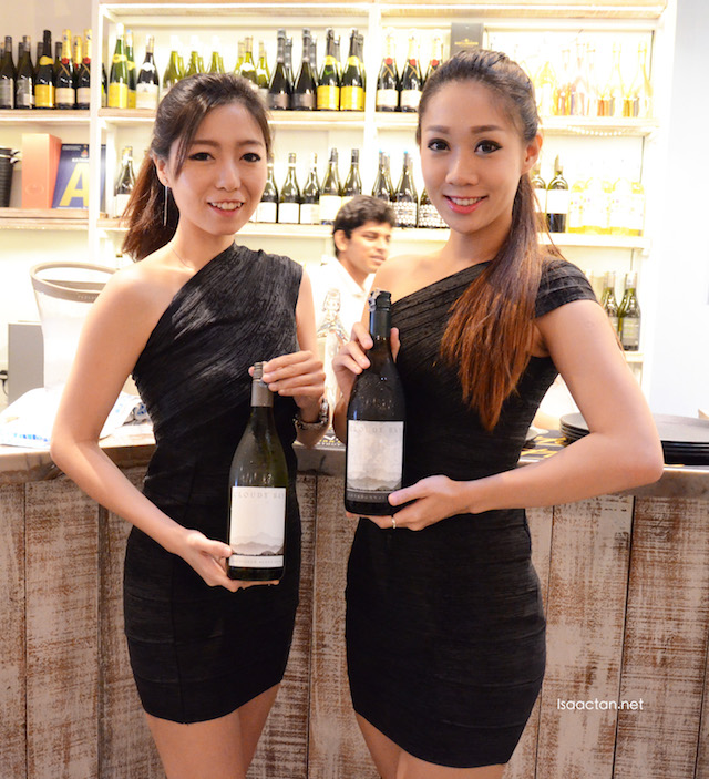 Pretty ladies serving us Cloudy Bay wines