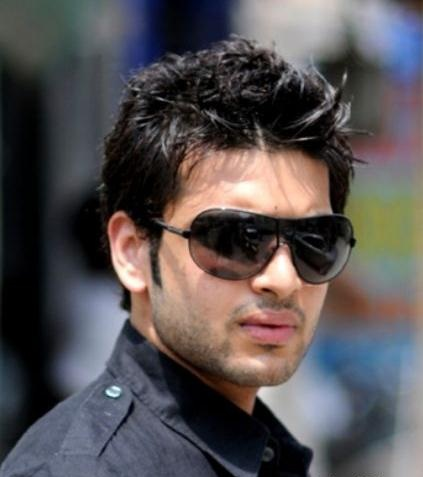 Karan Kundra HD Wallpapers Free Download